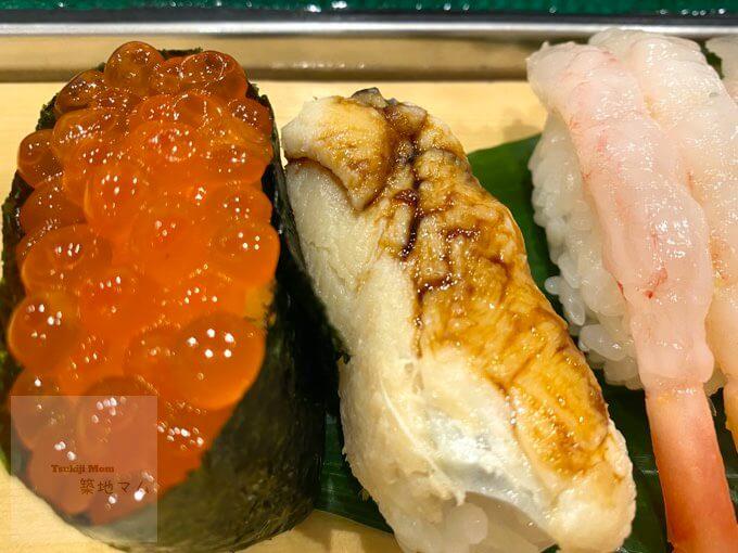 豊洲市場磯寿司のいくら軍艦、穴子寿司