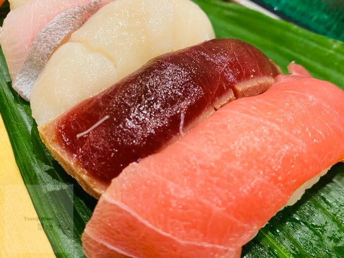豊洲磯寿司の中トロ握り、漬けまぐろ握り、ホタテの握り