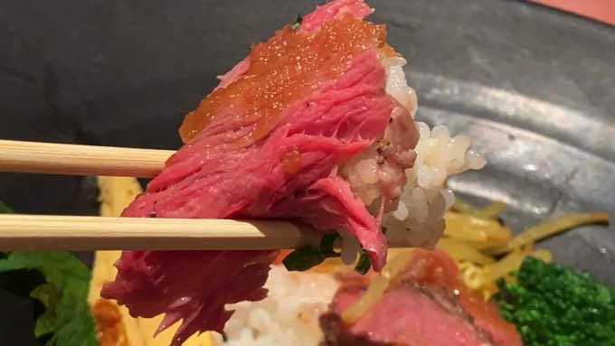 【豊洲市場で安い飲食店】休日ランチなら『海鮮丼/肉寿司』が人気『山はら』さん
